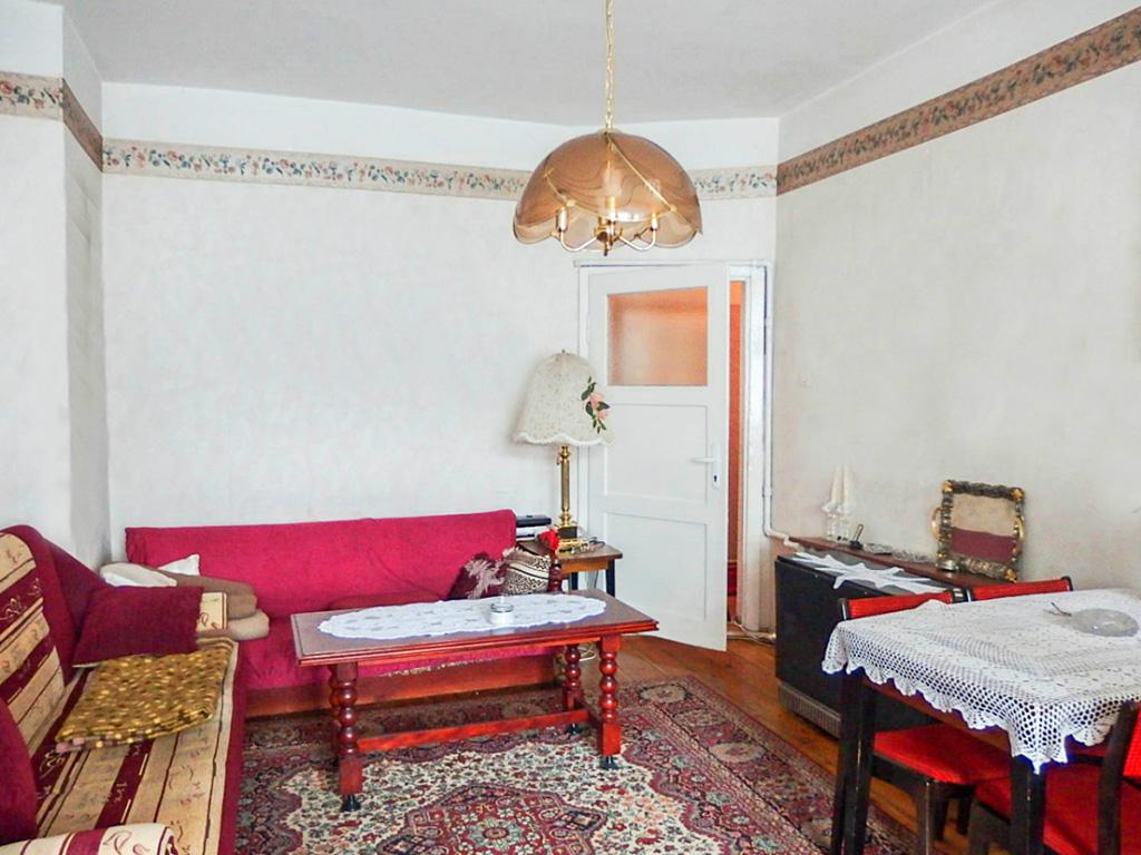 umeblowany salon w mieszkaniu na sprzedaż Wrocław