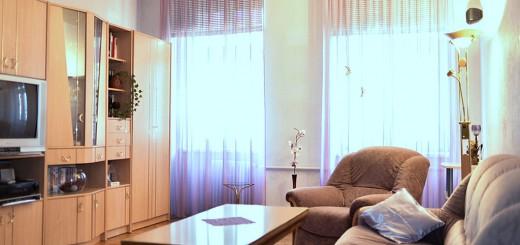 na zdjęciu salon w mieszkaniu we Wrocławiu na sprzedaż