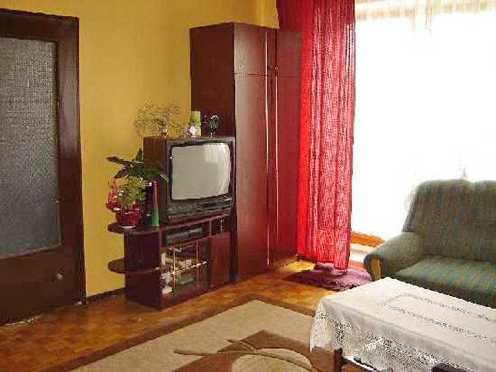 widok na salon w mieszkaniu we Wrocławiu