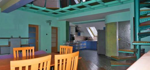 salon w mieszkaniu we Wrocławiu na sprzedaż