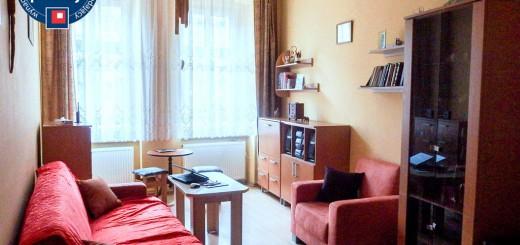 zdjęcie przedstawia duży pokój w mieszkaniu we Wrocławiu