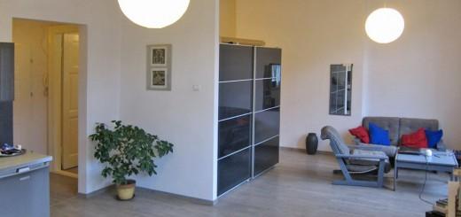 na zdjęciu salon w mieszkaniu