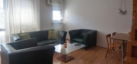 na zdjęciu salon mieszkania na sprzedaż Wrocław