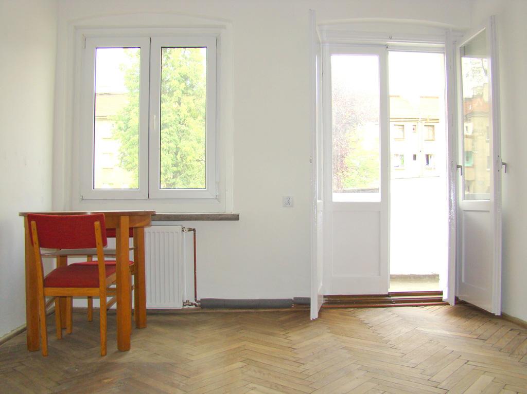 zdjęcie przedstawia wnętrze mieszkania do sprzedaży w dzielnicy Fabryczna we Wrocławiu