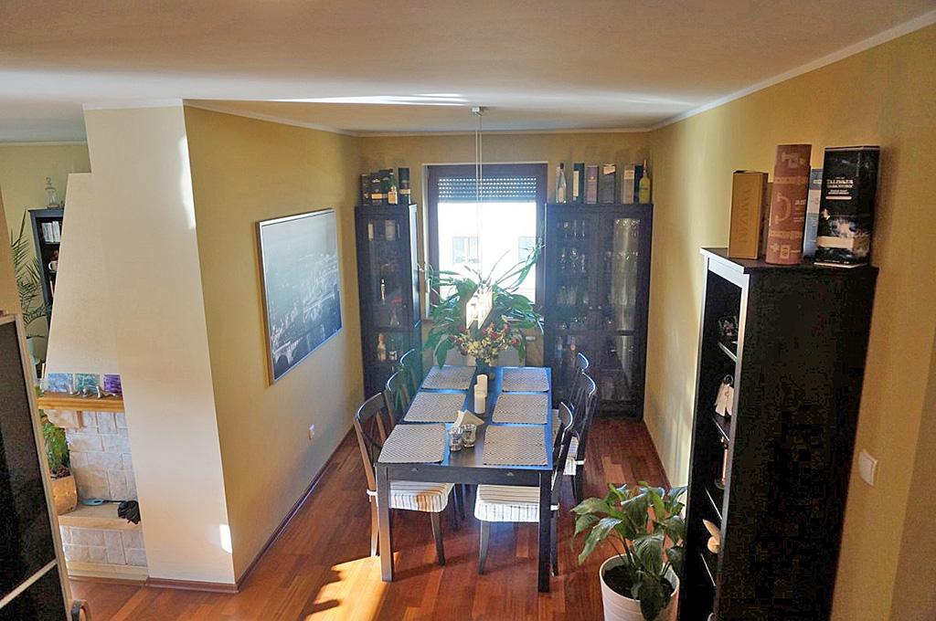 zdjęcie przedstawia wnętrze mieszkania na Biskupinie we Wrocławiu