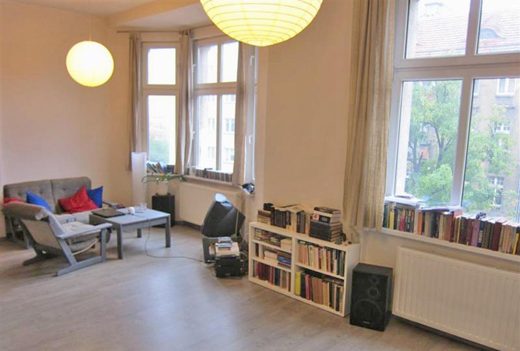 zdjęcie przedstawia salon w mieszkaniu na sprzedaż we Wrocławiu, Krzyki