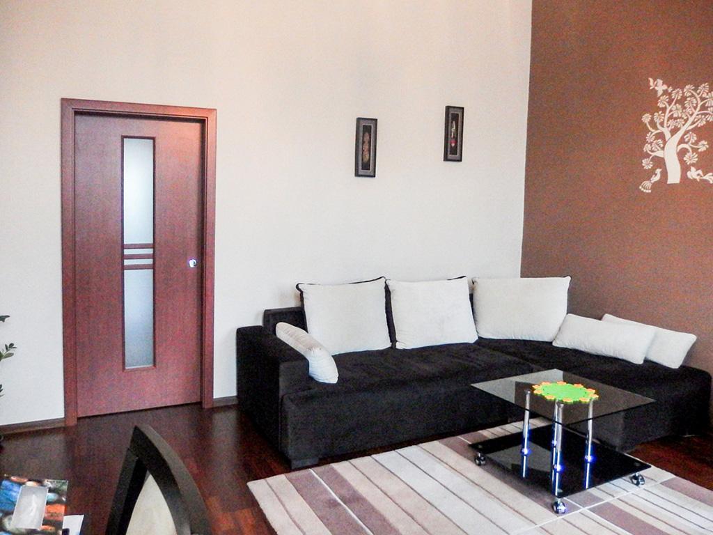 nowoczesny salon w mieszkaniu na sprzedaż, Wrocław