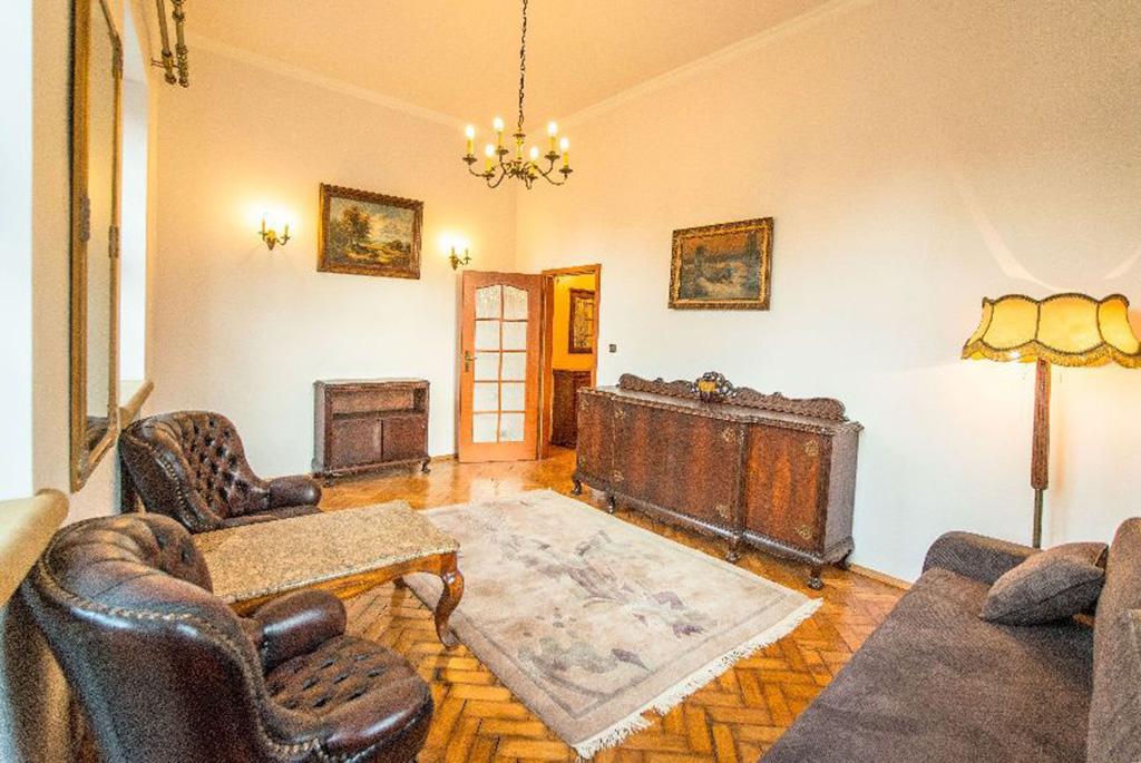 Wnętrze salonu w mieszkaniu na wynajem we Wrocławiu