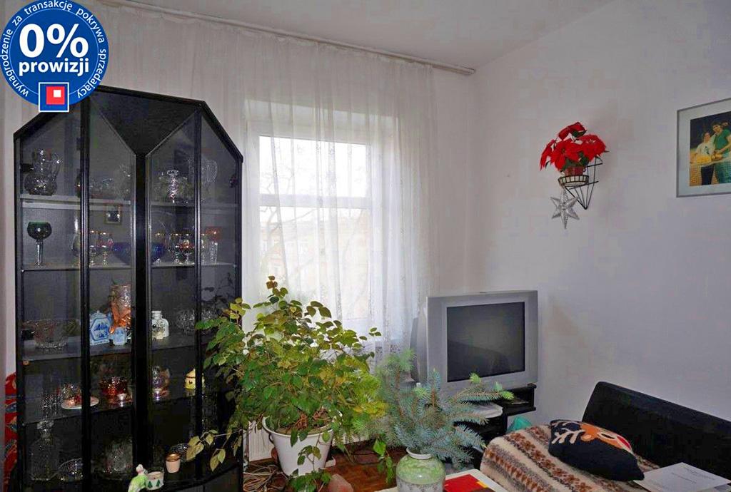 na zdjęciu salon w mieszkaniu do sprzedaży w dzielnicy Śródmieście, we Wrocławiu