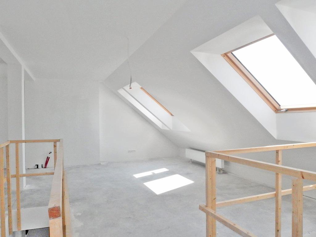 na zdjęciu mieszkanie w stanie surowym do sprzedaży we Wrocławiu