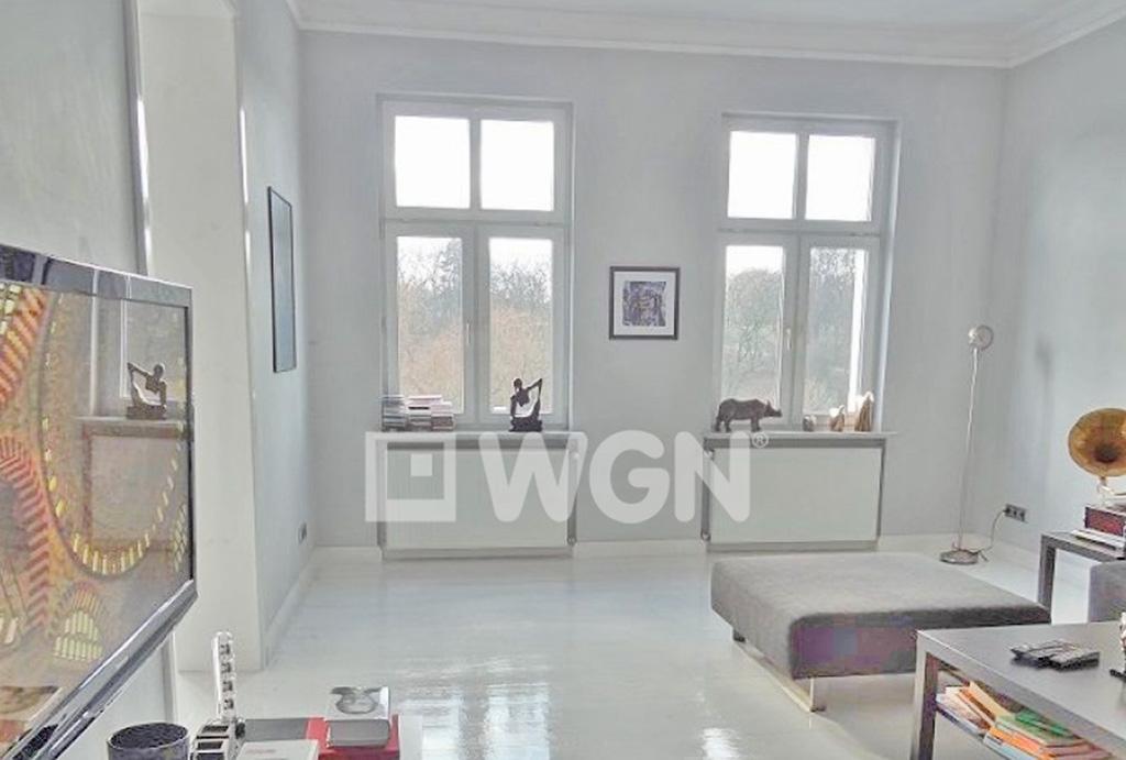 wnętrze mieszkania na sprzedaż we Wrocławiu, widok na salon