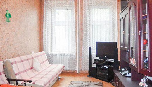 na zdjęciu salon w mieszkaniu na sprzedaż we Wrocławiu, w dzielnicy Krzyki