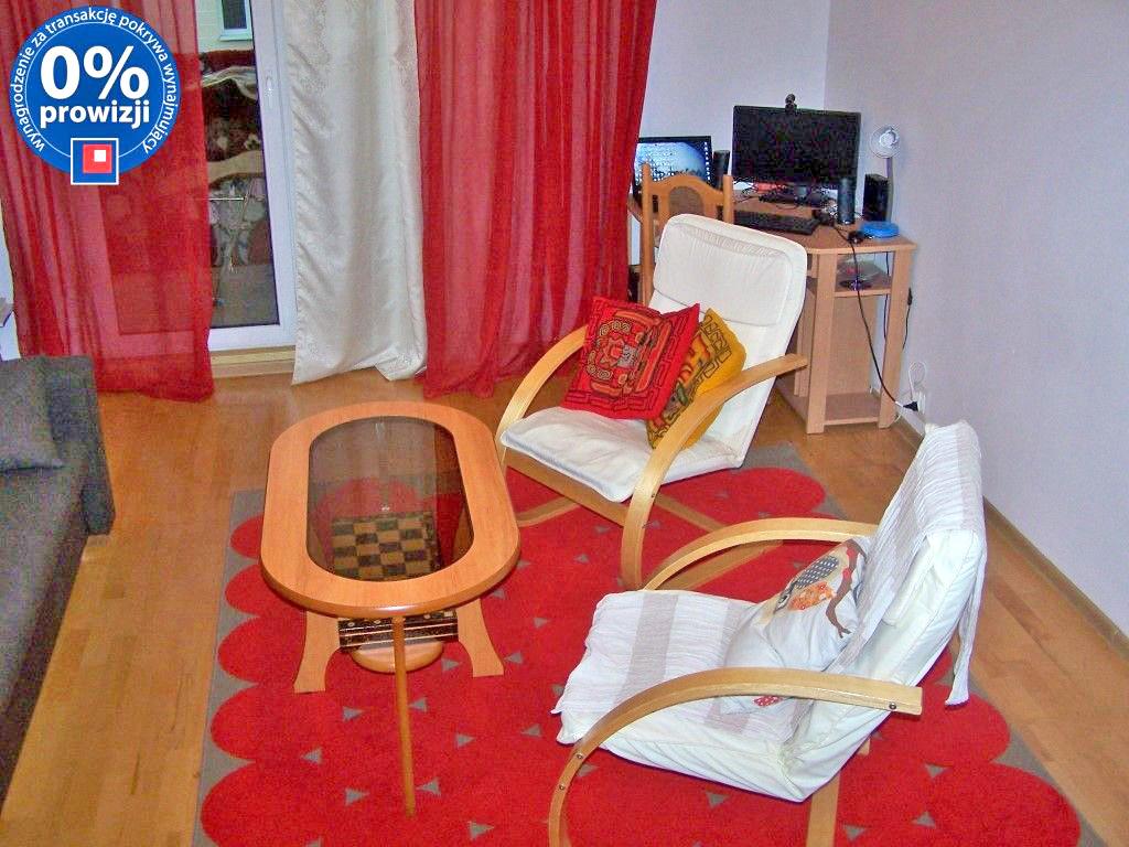 zdjęcie przedstawia salon w mieszkaniu na wynajem we Wrocławiu na Krzykach