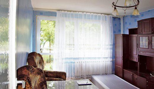 zdjęcie przedstawia salon w mieszkaniu do sprzedaży we Wrocławiu
