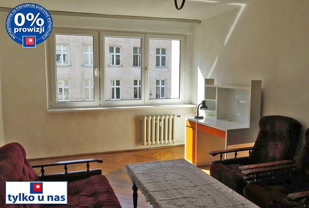 zdjęcie przedstawia salon w mieszkaniu na wynajem we Wrocławiu