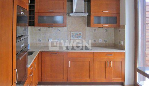 na zdjęciu fragment kuchni w mieszkaniu na sprzedaż we Wrocławiu