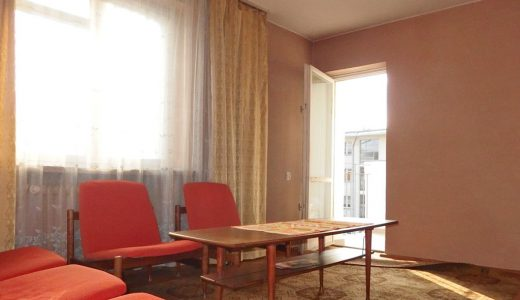na zdjęciu salon w mieszkaniu do sprzedaży we Wrocławiu