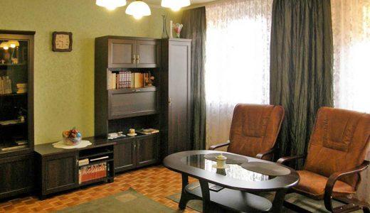 zdjęcie prezentuje salon w mieszkaniu do sprzedaży we Wrocławiu, na Psim Polu