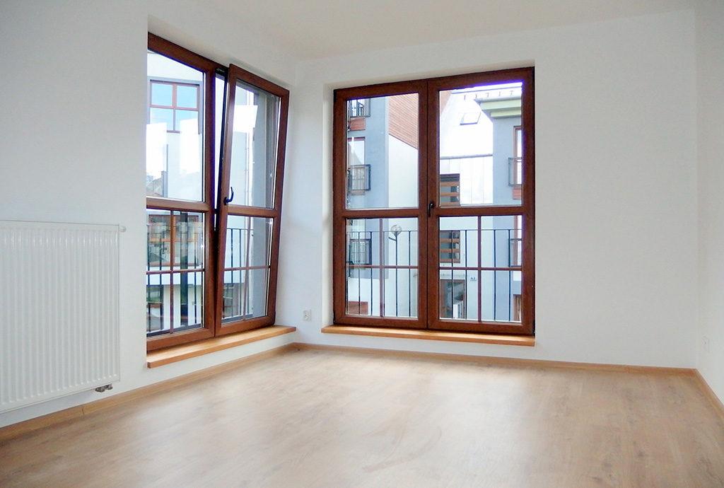pomieszczenie na salon w mieszkaniu do sprzedaży we Wrocławiu
