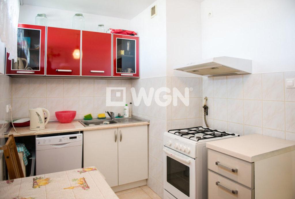 umeblowana kuchnia w mieszkaniu do sprzedaży we Wrocławiu