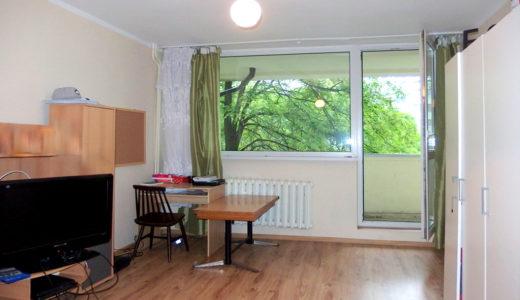 przestronny salon w mieszkaniu na sprzedaż we Wrocławiu
