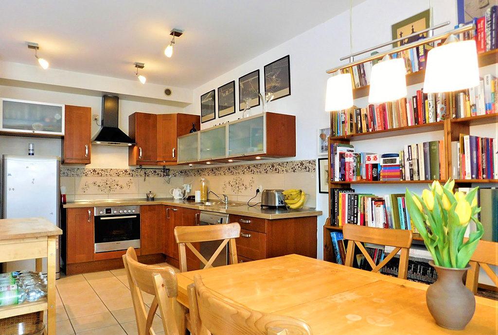 jadalnia i kuchnia w mieszkaniu we Wrocławiu na sprzedaż