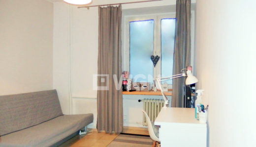 komfortowy salon w mieszkaniu na sprzedaż we Wrocławiu