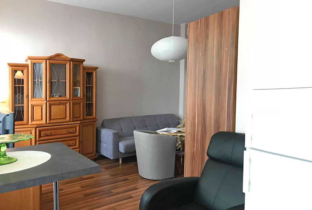 wytworny, prestiżowy salon w mieszkaniu we Wrocławiu na sprzedaż