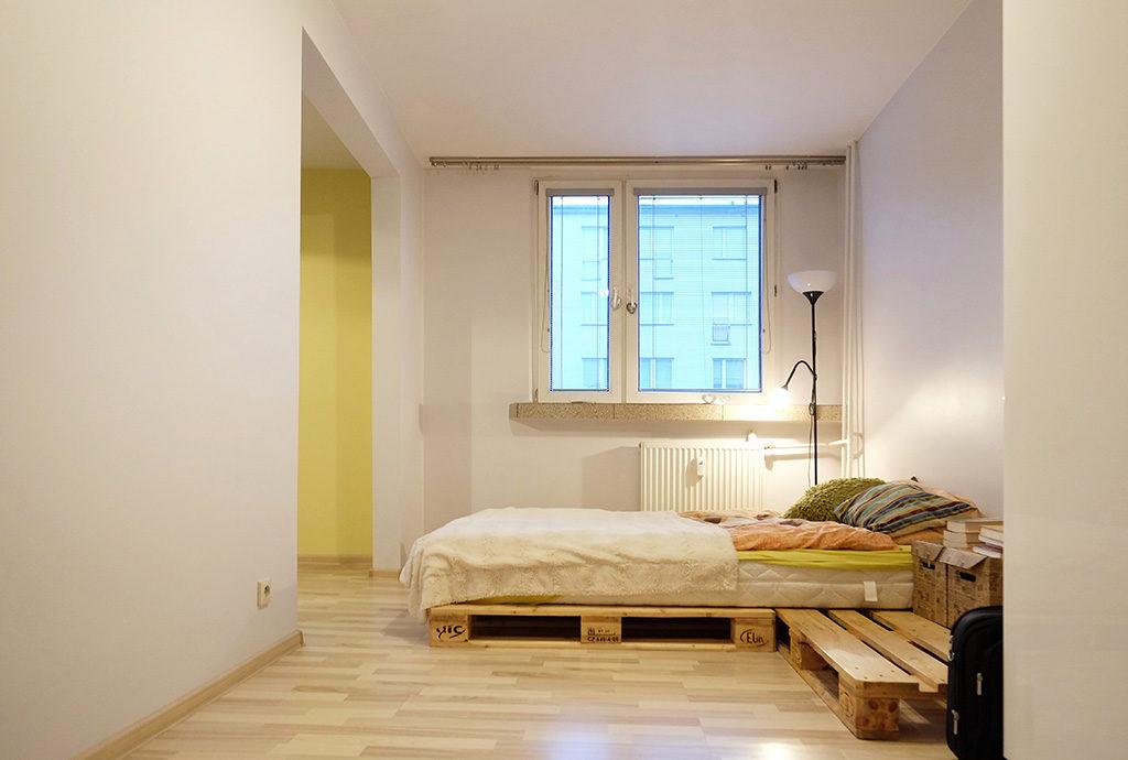 nowoczesna sypialnia w nowoczesnym designie w mieszkaniu we Wrocławiu na sprzedaż