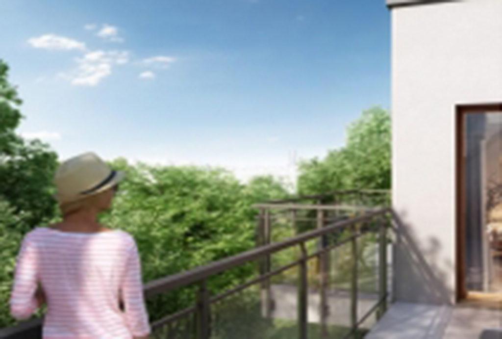widok z tarasu na zieleń wokół mieszkania na sprzedaż we Wrocławiu