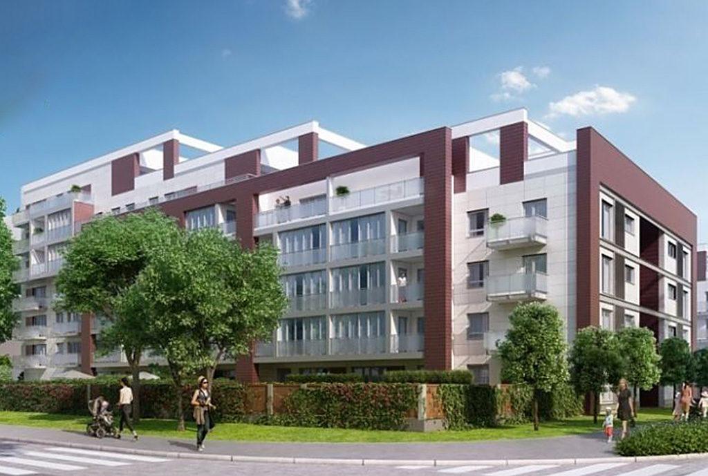 widok z ulicy na budynek we Wrocławiu Fabryczna, w którym znajduje się oferowane mieszkanie na sprzedaż