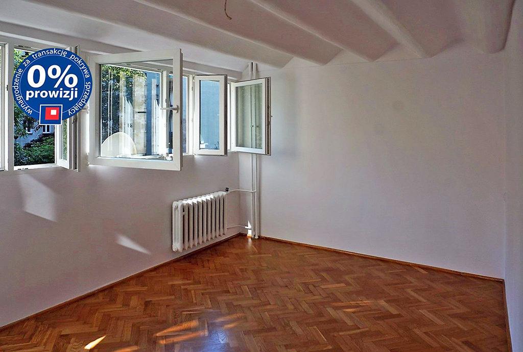 salon w mieszkaniu na sprzedaży we Wrocławiu