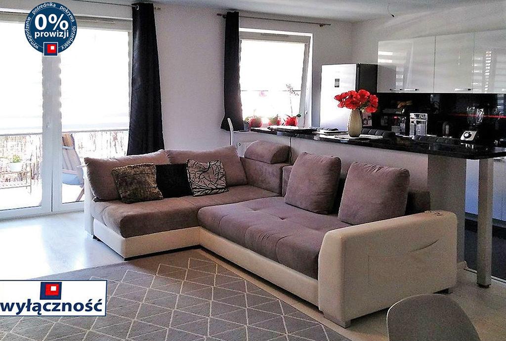 wygodny, komfortowy salon w mieszkaniu do sprzedaży we Wrocławiu