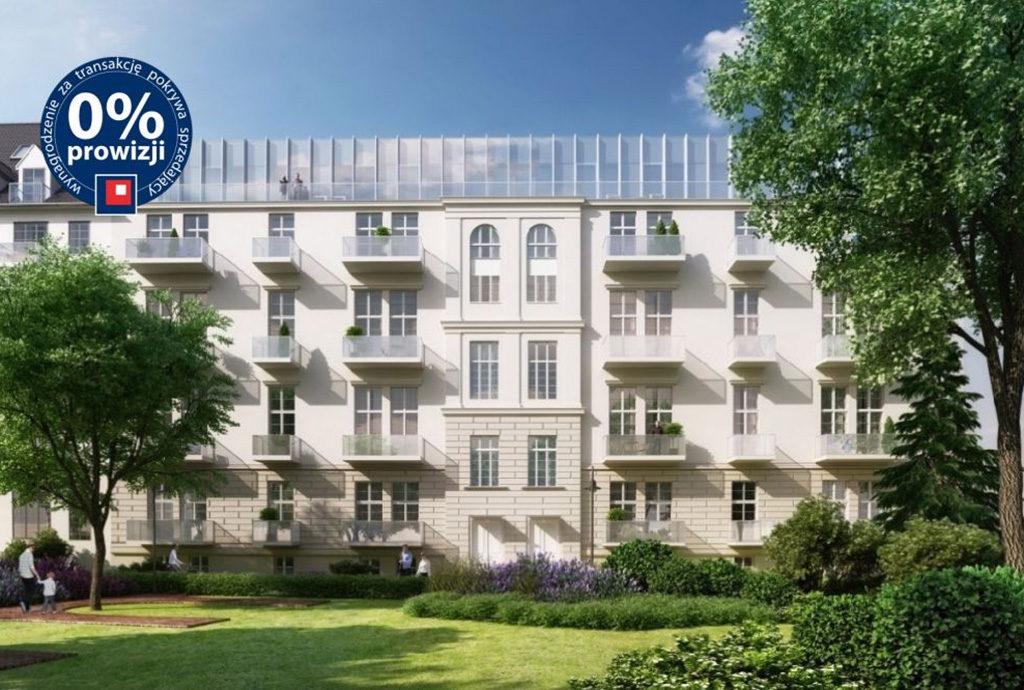 widok od strony podwórka na budynek we Wrocławiu, w którym znajduje się oferowane na sprzedaż mieszkanie