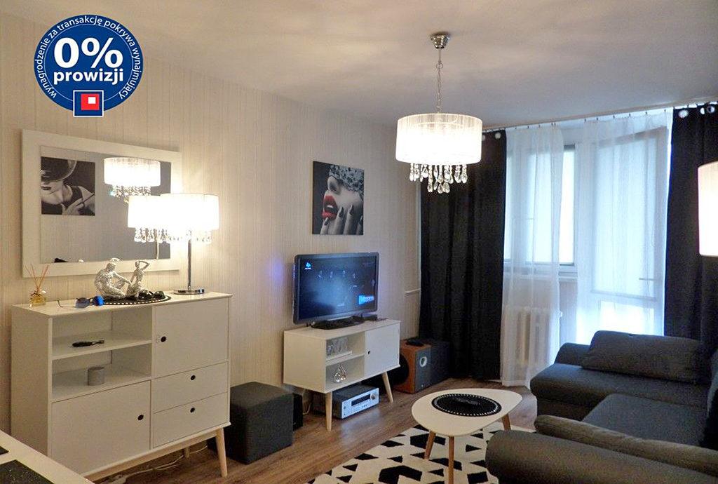 wytworny, stylowy salon w mieszkaniu do wynajęcia we Wrocławiu