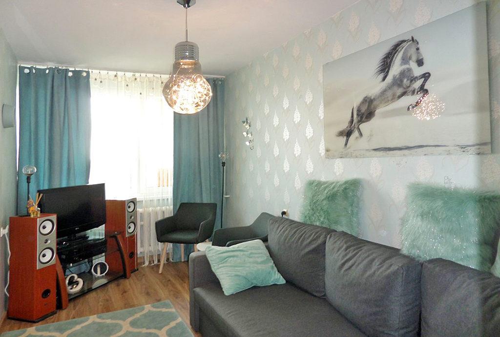 praktyczna sypialnia i gabinet w mieszkaniu do wynajmu we Wrocławiu