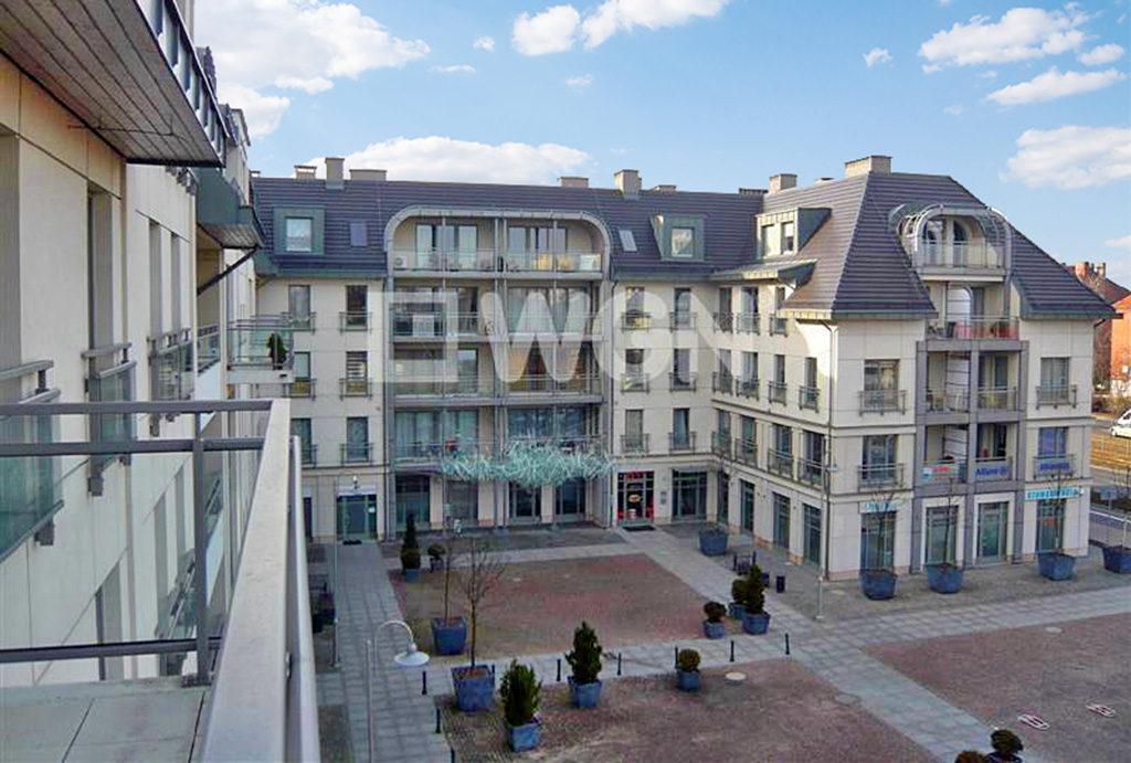 widok z okien mieszkania we Wrocławiu na wynajem