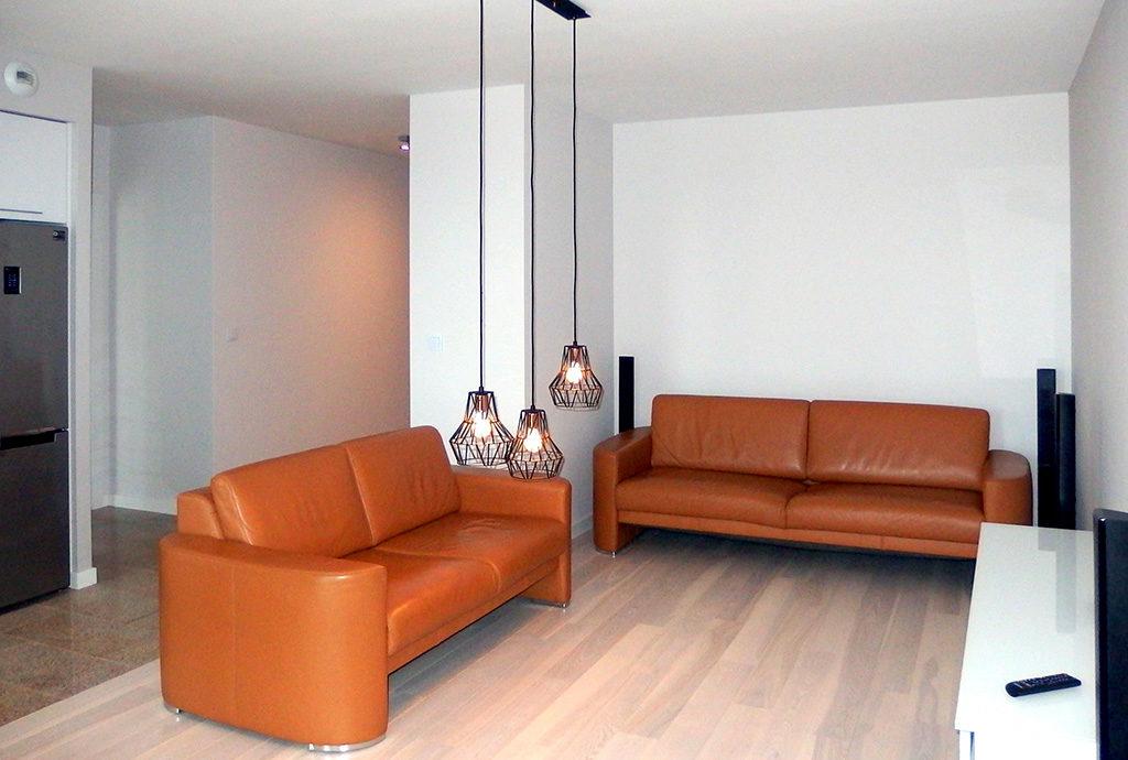fragment salonu w mieszkaniu do wynajmu we Wrocławiu