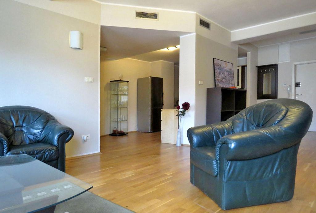 na zdjęciu salon w mieszkaniu do wynajmu we Wrocławiu