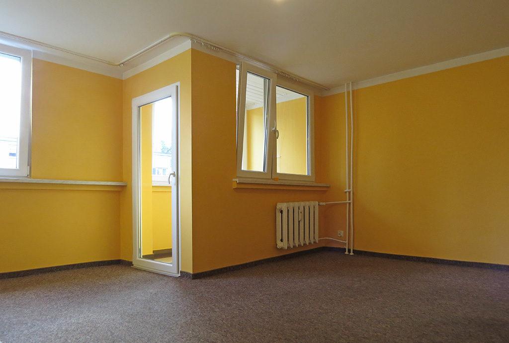 fragment salonu w mieszkaniu do sprzedaży we Wrocławiu na Krzykach