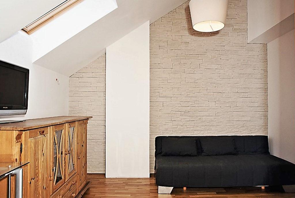 widok na salon w mieszkaniu na sprzedaż we Wrocławiu (okolice)