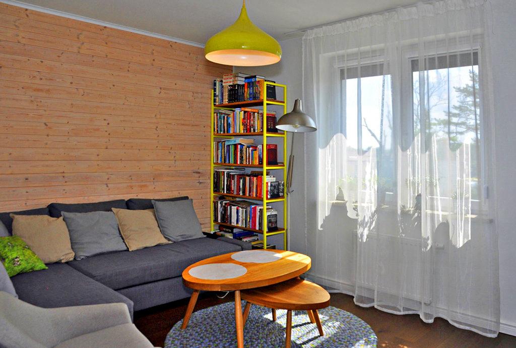 komfortowy salon w mieszkaniu na sprzedaż we Wrocławiu (okolice)