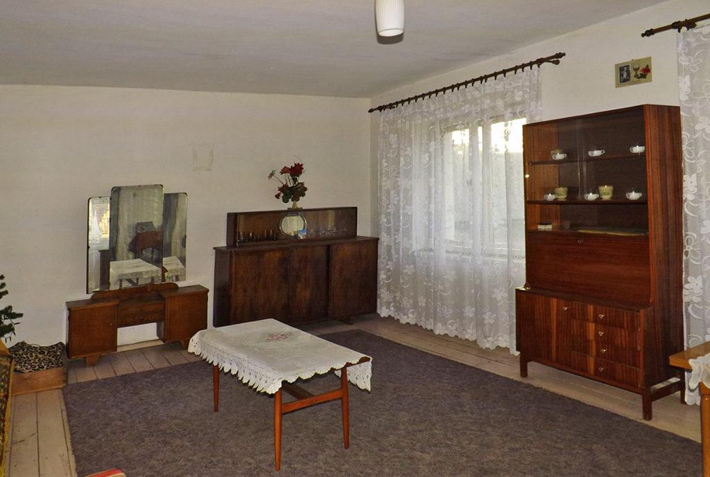 salon w mieszkaniu do sprzedaży we Wrocławiu (okolice)