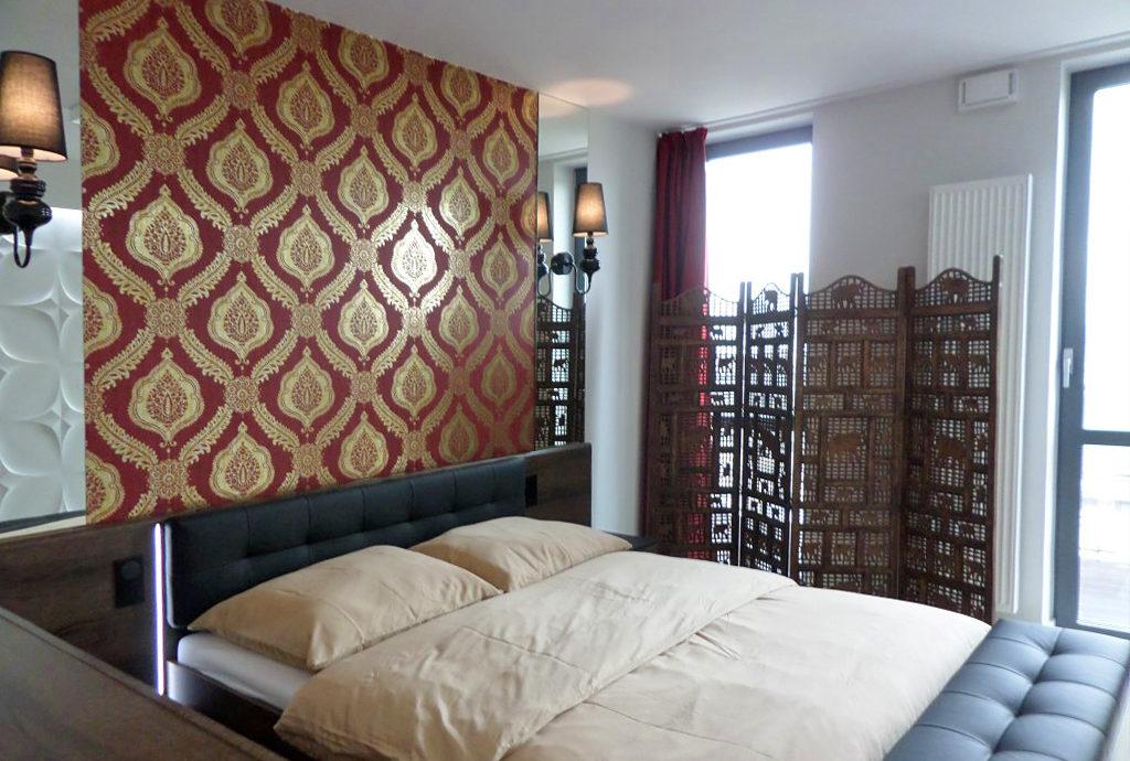 prywatna, elegancka sypialnia w mieszkaniu we Wrocławiu na wynajem