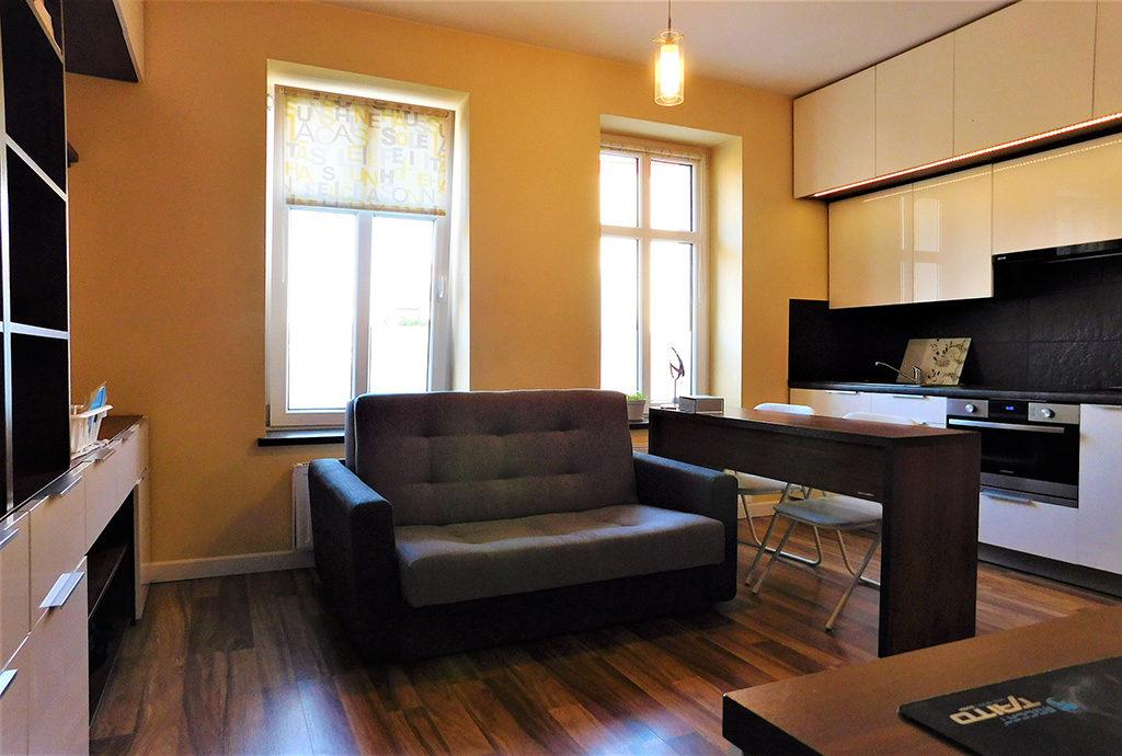 ekskluzywny salon w mieszkaniu Wrocław Krzyki na sprzedaż