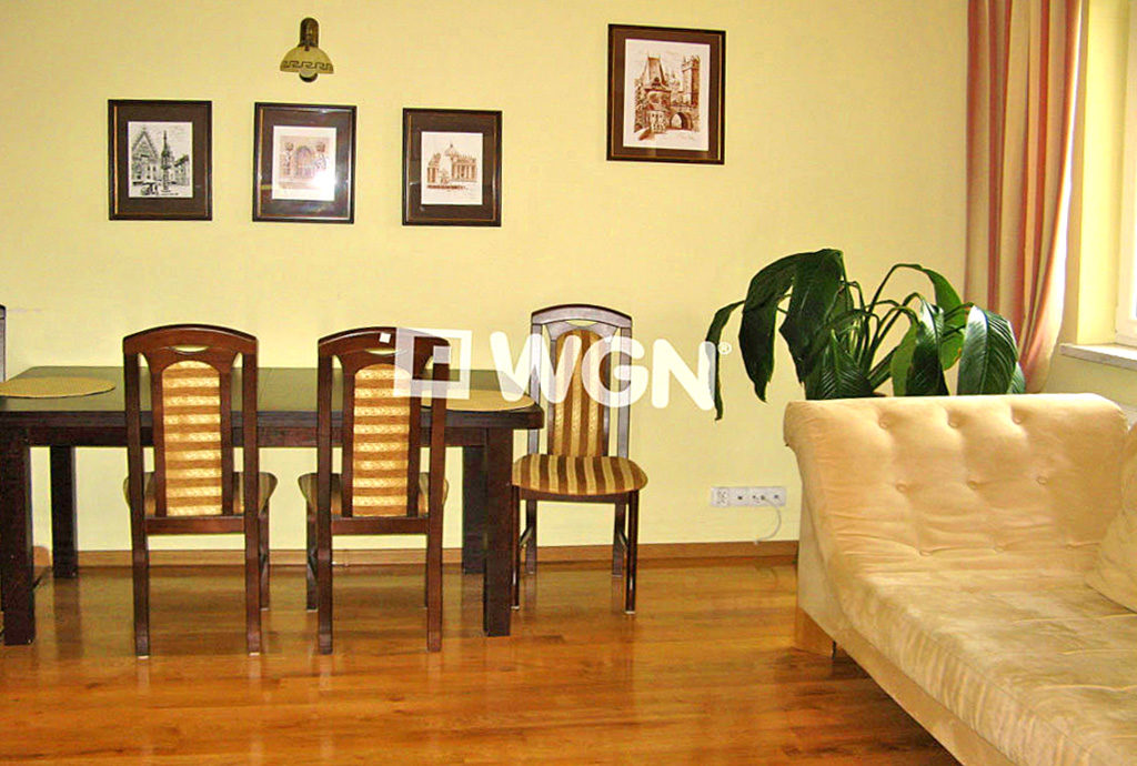 urządzone w klasycznym stylu mieszkanie do wynajmu we Wrocławiu