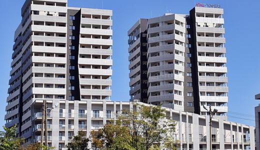 widok na całe osiedle we Wrocławiu na Starym Mieście, gdzie znajduje się oferowane do wynajęcia mieszkanie