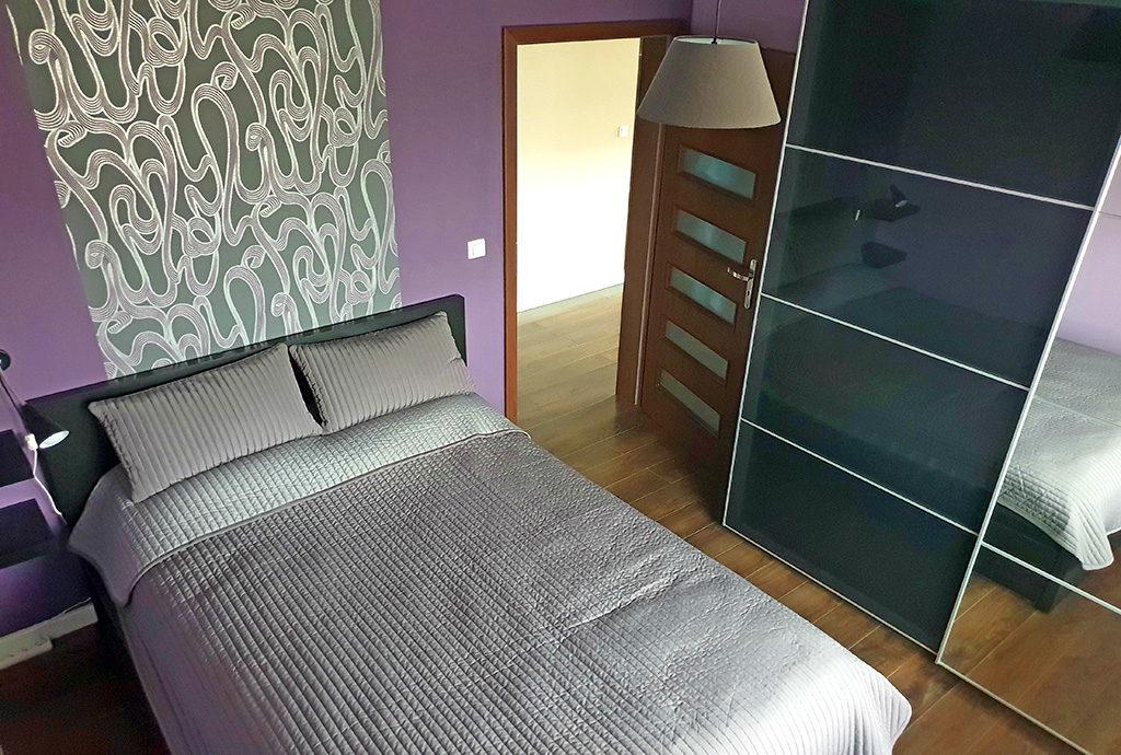 zaciszna, prywatna sypialnia w mieszkaniu do wynajmu Wrocław Kiełczów