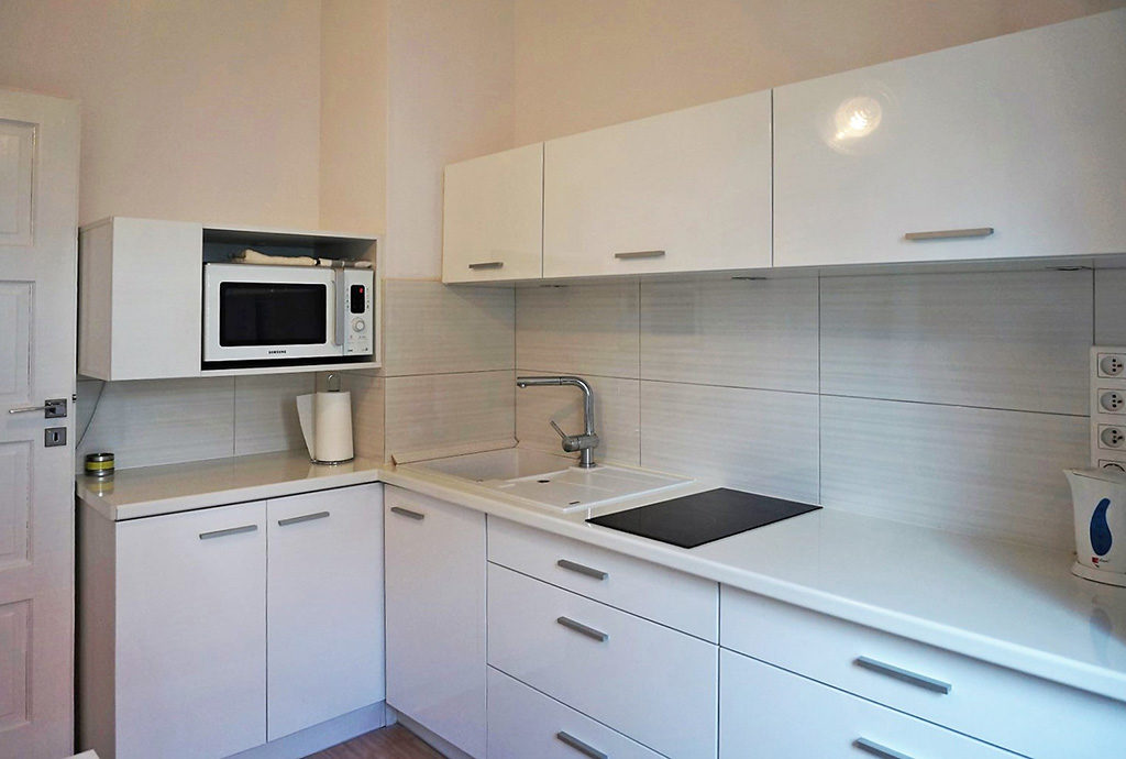 nowocześnie umeblowana i urządzona kuchnia w mieszkaniu do sprzedaży Wrocław Krzyki