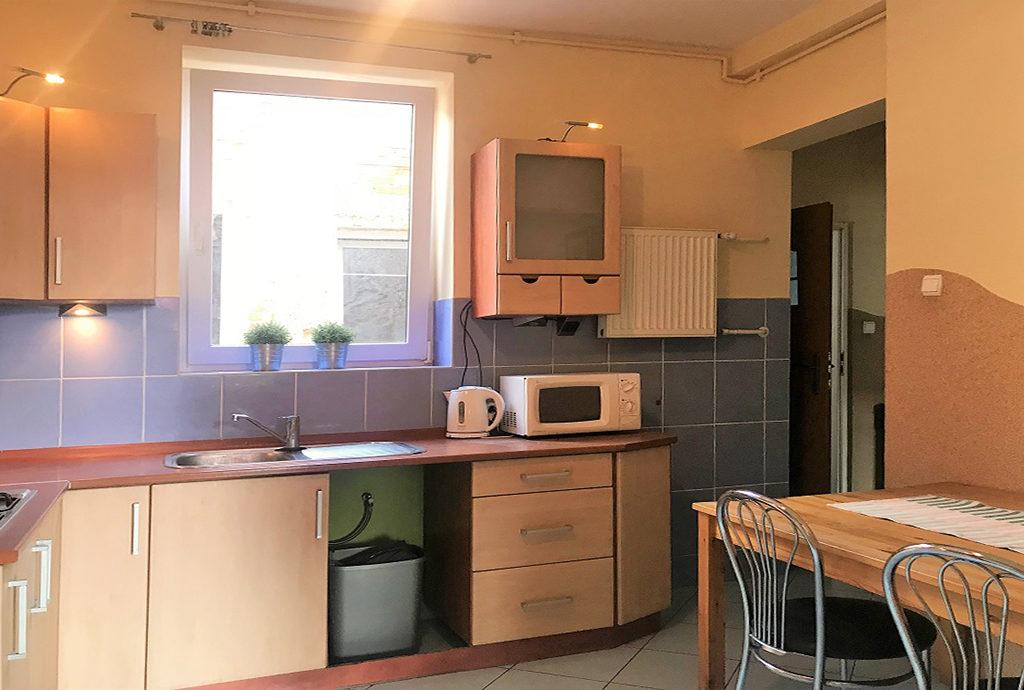urządzona i umeblowana kuchnia w mieszkaniu na sprzedaż Wrocław Krzyki